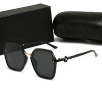 Hot Luxury Women Mens Outdoor Moda Gafas de sol UV Polarización Adumbral Vintage Metal Designer Gafas de sol de alta calidad con caja