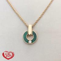 Aço inoxidável Luxo Diamante Colar Colar de Ouro Moda Charme Natural Malaquite Letra Pingente Diamante Ladies Presente de Jóias para Casal