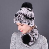 Toptan Kış Sıcak Akrilik Örme Kapaklar Çocuklar Gerçek Kürk Pom Pom Tığ Beanie Şapka ve Eşarp Seti