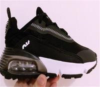 GS 2090 Laços Slip-on Kids Shoes Childrens Meninos Meninas Treinadores Sneakers Preto Branco Rosa Blue Volt Crianças Crianças Correndo Tênis 28-35
