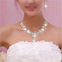 Neue Frauen Mode Bridal Strass Kristall Drop Halskette Ohrring Überzogene Schmuck Set Ohr Clip Nadel Hochzeit Ohrringe Anhänger Billig