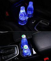 2pcs LED 자동차 로고 컵 홀더 조명 Audi 7 색 변경 USB 충전 매트 발광 컵 패드 LED 인테리어 분위기 램프 QC21
