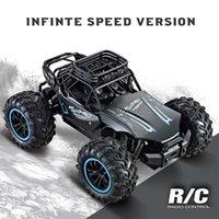 Новый 1: 18 RC Автомобиль 20 км / ч 50 км / ч Высокоскоростной автомобиль Радиоукоит машина Пульт дистанционного управления Автомобильные игрушки для детей Kids RC DRIF 201203