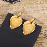 2021 뜨거운 판매 고급스러운 품질 드롭 귀걸이 여자와 여자 친구를위한 팔찌 상자 무료 배송 PS3557 무료 배송