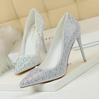 Sapatos de vestido Bigtree Mulheres Bombas Glitter Crystal High Saltos Partido de Casamento Elegante Femme Stiletto Raso Pointed Sapatos Sapatos