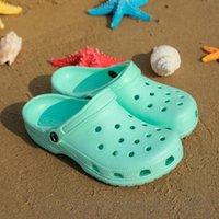 2021Clogs Kadın Sandalet Yaz Bayanlar Plaj Yeşil Sandalet Ayakkabı Croc Eva Hafif Sandles Düz Unisex Renkli Ayakkabı Sandalias # Ri7l