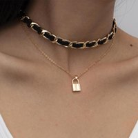 Anhänger Halsketten Lacteo 2021 Herbst Winter Flocking Tuch Metall Clavicle Kette Choker Halskette Mode Lock Schmuck Für Frauen