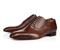 2020 Designer Mens Sapatos Mocassins Black Red Spike Patent Couro Slip no vestido Casamento Flats Bottoms Shots para negócios Party Tamanho 38-47