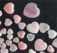 자연 치유 크리스탈 스톤 핑크 사랑 보석 장식품 패션 예술 및 공예 Heartshaped 아름 다운 여자 새겨진 뜨거운 판매 5tr3 m2