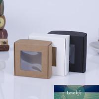 50pcs Black Craft Weddy Candy Box Box Imballaggio regalo scatole di cartone Pacchetto Kraft con finestra PVC White Pieghevole carta