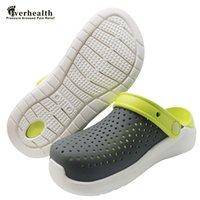 Sandali da donna Zoccoli 2020 Scarpe Estate Ladies Beach Verde Crocse Croc EVA leggero Sandles piatto unisex sandalias Colorful scarpe
