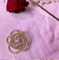 Hot New Product Listing European and American Francese Retro Lampeggiante Diamante Love Amore Rose Flower Corona Spilla di alta qualità Pin della catena di alta qualità Moda Tutto