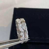 Stili da uomo in acciaio in titanio Anello da uomo e da donna Stili esterni Anello esterno Diamond Pattern Piccolo anello di fragranza Packaging Bella