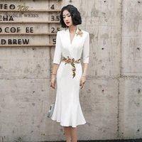 Mermaid Balo Elbise V Yaka Diz Boyu Aplikler Sleepes1 ile Saten Gelinlik Modelleri1