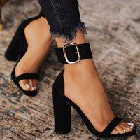 Ddyzhy 2021 Flock Shoes Mulheres Sandálias Altos Saltos Verão Cinta de Tornozelo Square Moda Sandálias Bombas Dropshipping Tamanho 35-42
