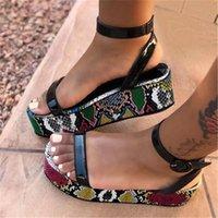 Yeni Yaz 2021 Lady Ücretleri Ven Moda Sıcak Sandalet Kadın Renkli Büyük 35-43 Pembe Siyah Ayakkabı Lnuo