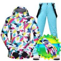Traje de esquí Mujer cálida impermeable invierno nieve snowboard chaquetas y pantalones ropa de invierno viene con guantes de esquí de pantalla táctil marcas