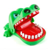 Большой рот крокодил с пальцами, кусающимися руками игрушка акула ночной рынок ночной рынок детский родитель ребенок заворачивается игрушка RRF4659
