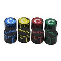 Cookies Herb Moedores Gota Acessórios De Fumadores 40mm 50mm 55mm 63mm Colorido 4 Peças Camadas Liga de Zinco Tabaco Smasher Criter Mão Muler Gr304
