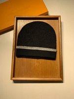 HOT25 Toptan Beanie Yeni Kış Kapaklar Şapka Kadın Bonnet Kalınlaşmak Beanies ile Gerçek Rakun Kürk Ponpons Sıcak Kız Kapaklar Snapback Ponpon Beanie