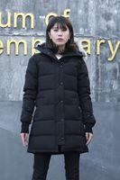 Классический пуховик для мужской женской женщины Femme Глянцевая верхняя одежда с волка меховой с капюшоном Parka Winter Puffer Part Part Part Designbreake Maya