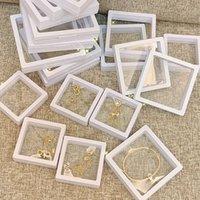 Caja de visualización flotante 3D Soporte de soporte de suspensión de almacenamiento para collar colgante Pulsera de pulsera Pin de la joyería