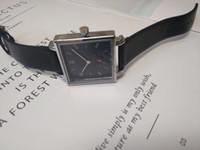 Square Designer Guarda Nuovo orologio di lusso Prodotto di marca di moda in oro orologio in pelle orologi al quarzo per le donne uomini