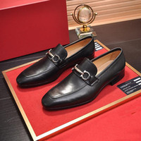 Scarpe vestite formali di super qualità scarpe da uomo Designer delicati uomini neri scarpe in vera pelle in vera pelle puntata da uomo business oxfords casual scarpe casual