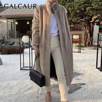 GALCAUR Крупногабаритные искусственного меха Пальто для женщин стоять воротник с длинным рукавом Карманы Сыпучие High Street Полный шкура Пальто Женский 2020 Одежда