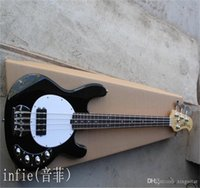 2021 Siyah 4 Strings Müzik Erkek Stingray Bas ile 9 V Pil Amplifikatör Devresi Aktif Pikaplar Elektro Gitar
