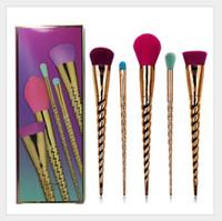 Pennelli per il trucco Set di spazzola cosmetici 5 Bright Color Rose Gold Spiral Spiral Swink Trucco Spazzola Unicorno Strumenti di trucco a vite DHL Spedizione gratuita