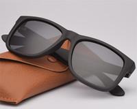 Qualität Mode Sonnenbrille Marke Rechteckrahmen Polarisierte Linse Polarisierte Linsen Mann Frau mit Ledertasche Pakete, Zubehör