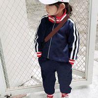 Niños Moda Chándalsuits Venta caliente CARTA CHAQUETAS CONTRACTADAS + PANTALONES DOS PIEZAS SET Boys Girls Casual Sport Style Ropa Traje Ropa infantil