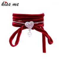 Tenis besarme la pulsera de envoltura de terciopelo rojo 2021 Pulseras de corazón de cristal de la perla de imitación encantadora para las mujeres Hecho a mano Joyería de lujo1