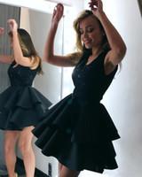 Little Black Girls 'Club Wear Party Gowns V Collo in pizzo Applique Abiti da ritorno a casa Abiti in raso a velcro Abiti da ballo Vestidos
