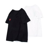 Venda quente Mens Camiseta Moda Mens Designer mangas curtas Um macaco de banho Algodão de alta qualidade camiseta Tees tamanho