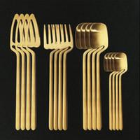 16 pcs Gold Dinnerware Flatware Set 18/10 Faca De Festa De Aço Inoxidável Faca De Forquilha De Cutelaria Set Kitchen Silverware Talheres Set Y1126