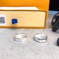 Diseñador V anillo femenino anillo de acero de titanio anillos de pareja joyería de acero inoxidable joyería pareja anillos con caja