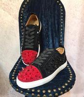رائعة strass spikes منخفضة أعلى حذاء رياضة أسفل أحمر للرجال، المرأة مزيج ترصيع عارضة أحذية فاخرة مصمم الدانتيل متابعة الترفيه الشقق الأسود والأحمر