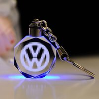 Nova Chegada Presente Promocional Gravura Laser Custom Gravura LED Chaveiro Criativo LED Creative Light Crystal Car Logotipo Chaveiro