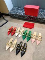 Pantofole di alta qualità in pelle da designer con elementi rivetti esplosivi lusso appariscenti con un'altezza di 1 cm 35-42 dimensioni
