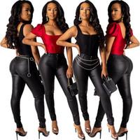 Womens Cross Bording Spot Vêtements européens et américains Vente chaude populaire Slim Fit Fit Pu cuir Pantalon un bouton petit pantalon de jambe