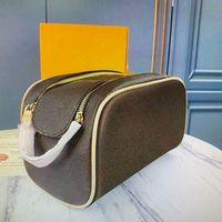 Lesigneurs de mode maquillage sacs de haute qualité véritable cuir véritable cuir kits de toilette de toilette pochettes sacs à main sacs à sacs à sacs à sacs à main femme Sac de cosmétique femme