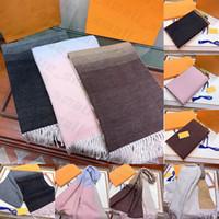 Mit Box Geschenkbeutelbeleg Tag Top Qualität 2021 Markenschals für Frauen Winter Herren Schal Luxe Pashmina Warme Mode Wolle Kaschmirschals