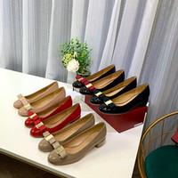 Moda ve Yüksek Kalite Yeni Stil Yuvarlak Kafa Seksi Gelin Ayakkabıları Dermal Taban Düz Tekne Ayakkabı Kadın Elbise Ayakkabı Size35-41 Kutusu Ile