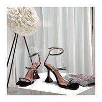 Mükemmel Resmi Kalite Amina Ayakkabı Hakiki Deri Muaddi Topuklu Sandal Kadın Slingback Ayak Bileği Kayışı Açık Toe Kristal Süslenmiş Süet San