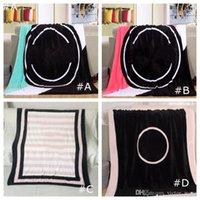 Schwarze rosa Farben Decke 130 * 150 cm Weiche Korallen Samt Beachtowel Decken Klimaanlage Teppiche Bequemer Teppich 4 Farben