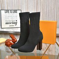 2021 Neue Socken Stiefel Herbst Winter Frauen Schuhe Gestrickte Elastische Stiefel Sexy Brief Martin Stiefel Dicke Fersen Frauen Hige-Heeled Schuhe mit Kiste