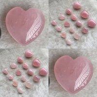 Natürliche Kristalle Steine herzförmig Liebe Rosa Heilungsschmuck Geschnitzte Kunst und Handwerk Edelstein Womens Schöne schöne Neue 5Tr3 M2