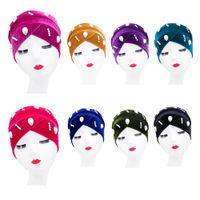 2020 Moda con cuentas Velvet Turban Caps Muslim Women Wrap Wrap Bufandas Hijab Bonnet Soft India Sombrero Étnico Turbante Invierno Moda